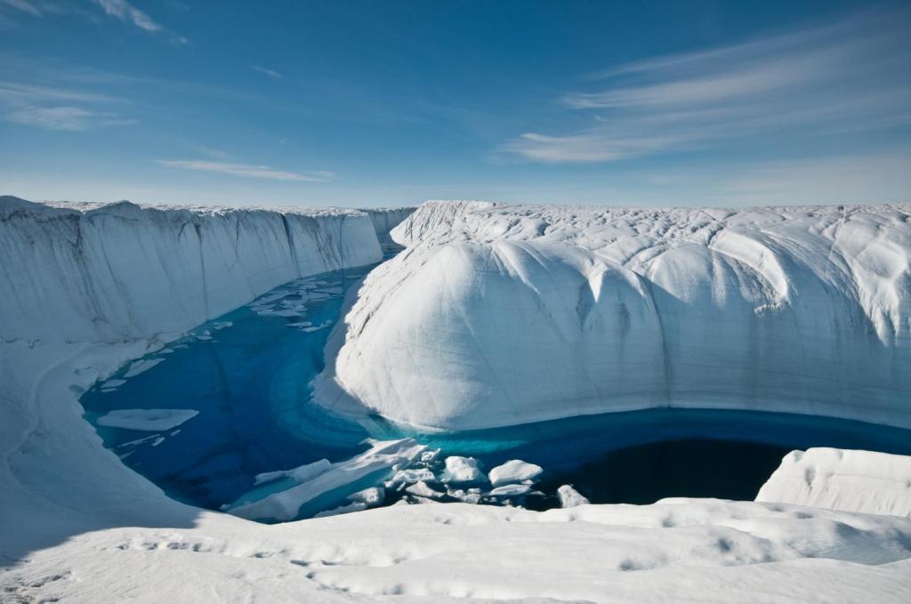 El deshielo de la Tierra se está acelerando debido al cambio climático.